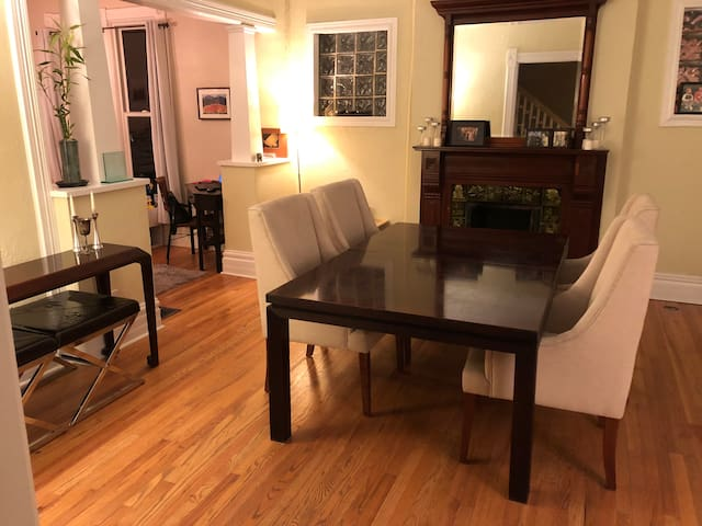 3 Bedroom Renovated House by Downtown & City Park