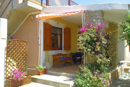 Cosy cottage 100 meters from the be - San Vero Milis