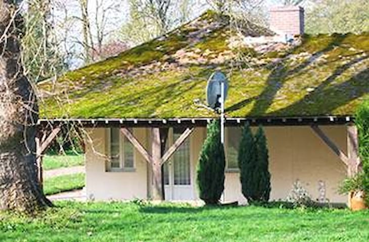 Romantic Cottage near Fontainebleau Forest - Thoury-Férottes, Fontainebleau - Haus