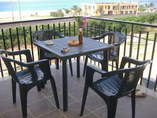 2 bed seaview apartment in Gizzeria Lido