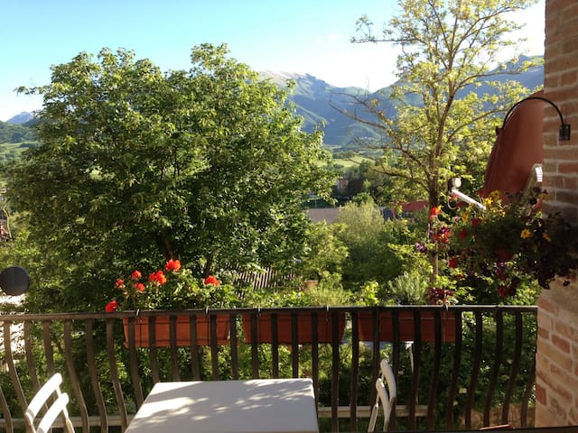 Beautiful valley and mountain views - Sarnano - Daire