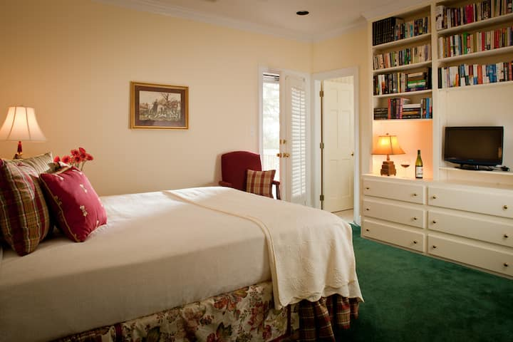 Inn at Whitewing Farm - The Daily Review Room