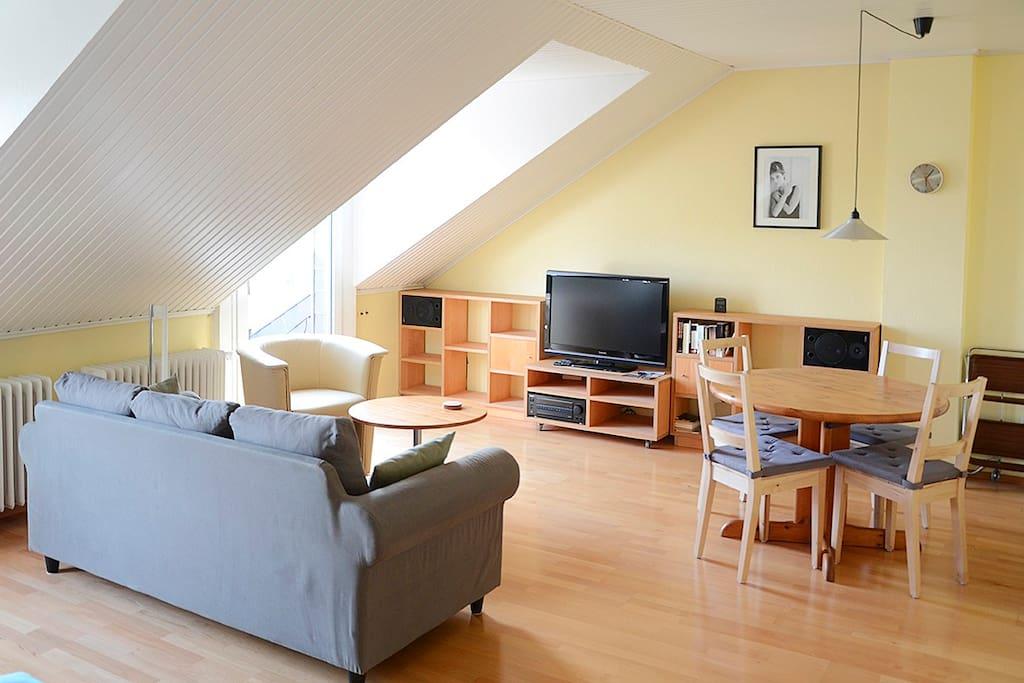 ca 80 qm wohnung zwischen cgn dus wohnungen zur miete in leverkusen nordrhein westfalen. Black Bedroom Furniture Sets. Home Design Ideas