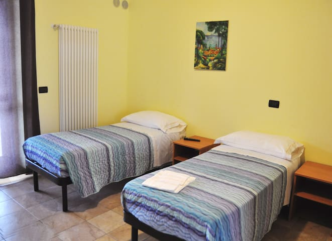 Rooms, Restaurant,Wine and Pizza - L'Aquila - Bed & Breakfast