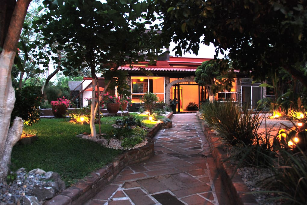 Welcome to Casa Sol & Luna