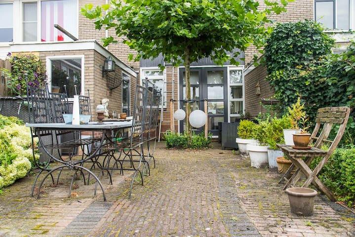Sfeervol en ruim woonhuis vlakbij Utrecht - Utrecht