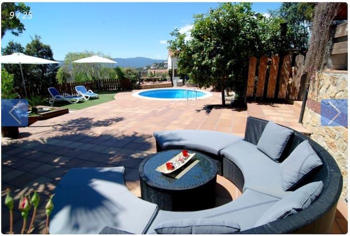 Preciosa villa en la Costa Brava  - Tordera