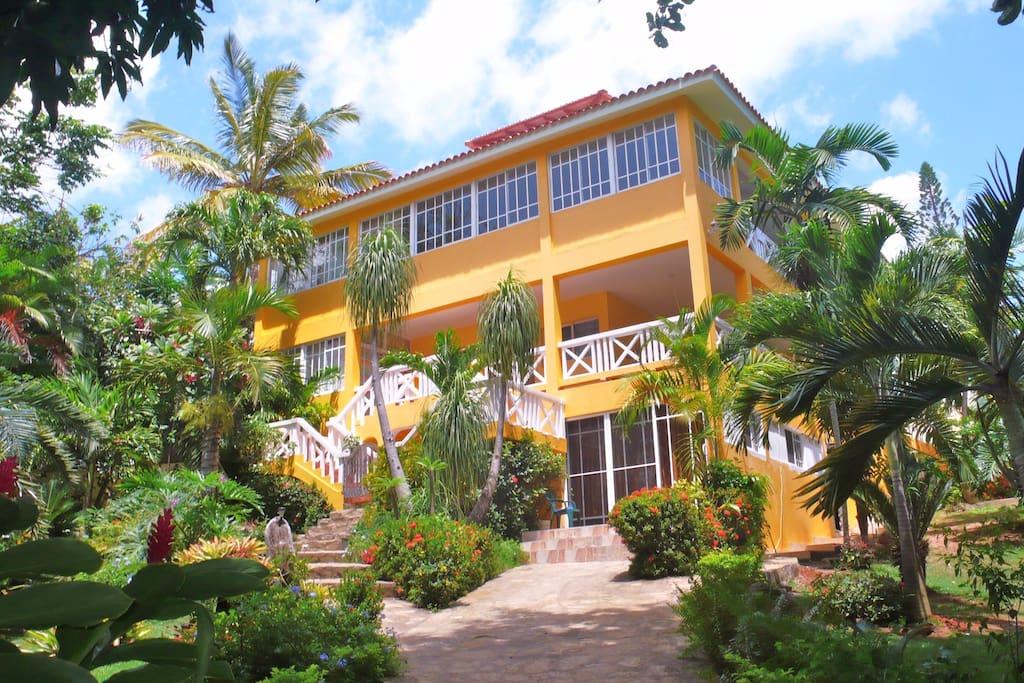 New modern studio by the beach apartamentos para alugar - Apartamentos puerto plata ...