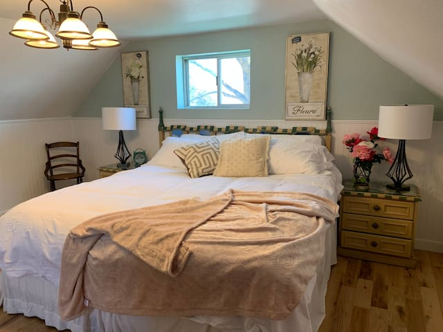 Joseph Guestrooms - 2-Bedroom Suite