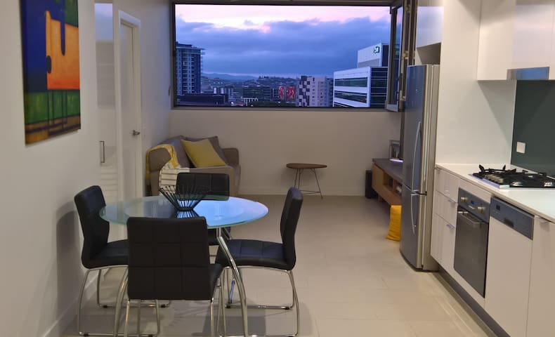 Two bedroom unit in Fortitude Valley - Fortitude Valley - Apartment
