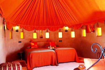"N°2: Tente "" Boumalne "" - Marrakesch"