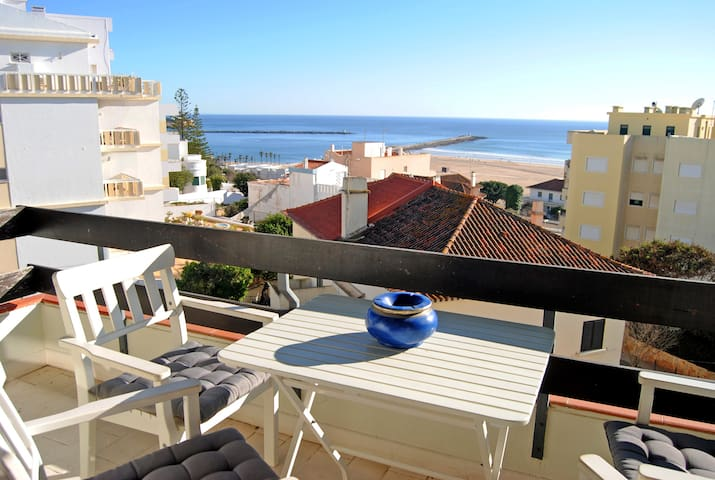Sunny Beach View Apartment Ponta da Areia