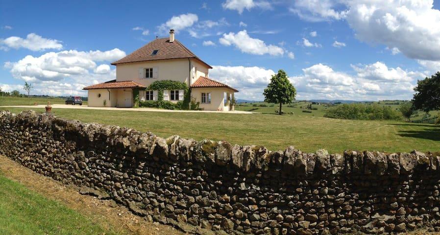 Maison de caractère,vue d'exception - Iguerande