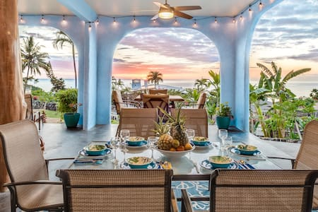 Lovely large lanai with ocean views and breezes!