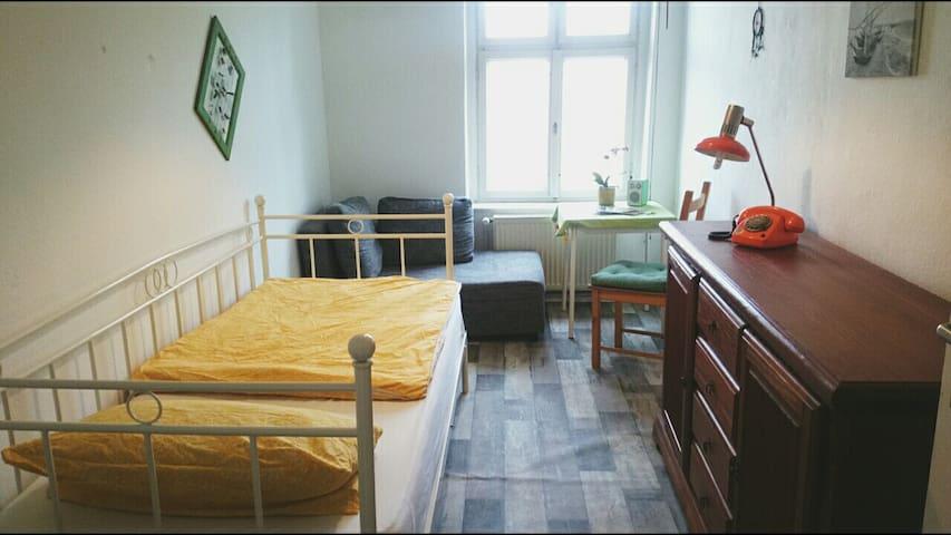 Zimmer in Retro/Oldschool-Charme Nähe Mauerpark