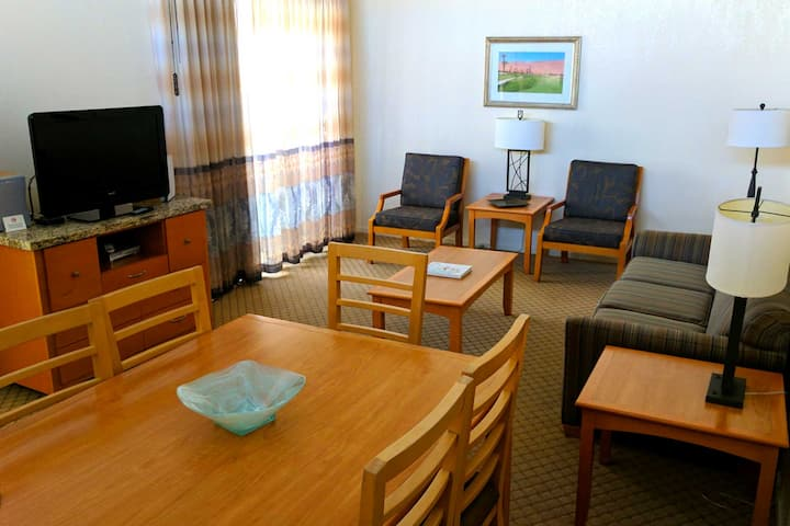 Professionally Cleaned - Relaxing Family Resort - Heart Of Palm Springs