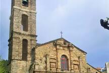 Eglise du village à quelques mètres