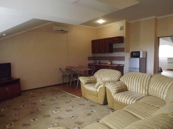 """Апартаменты в гостинице """"Лукоморье"""" Анапа"""