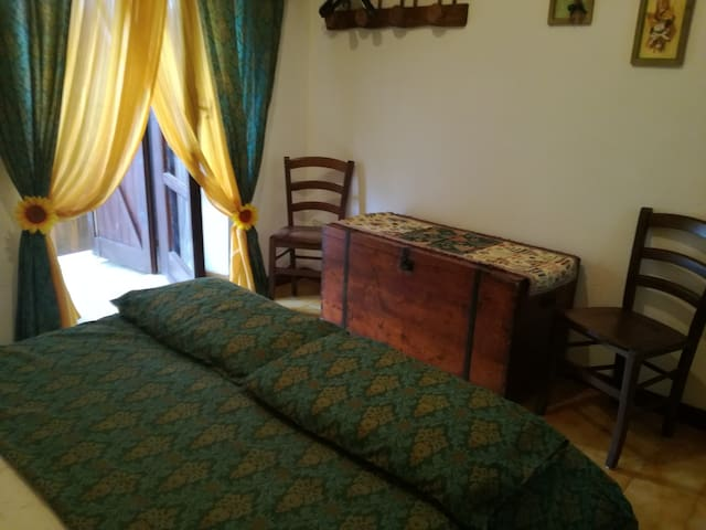 camera con accesso al terrazzo 2° piano