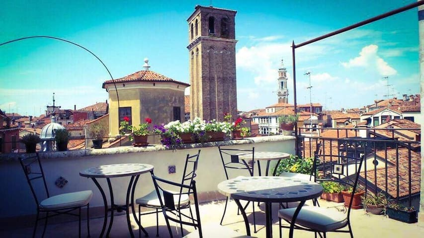 Airbnb Venice Vacation Rentals Places To Stay