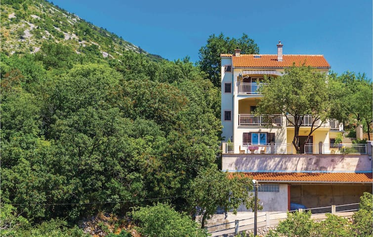 Holiday apartment with 2 bedrooms on 56m² in Senj