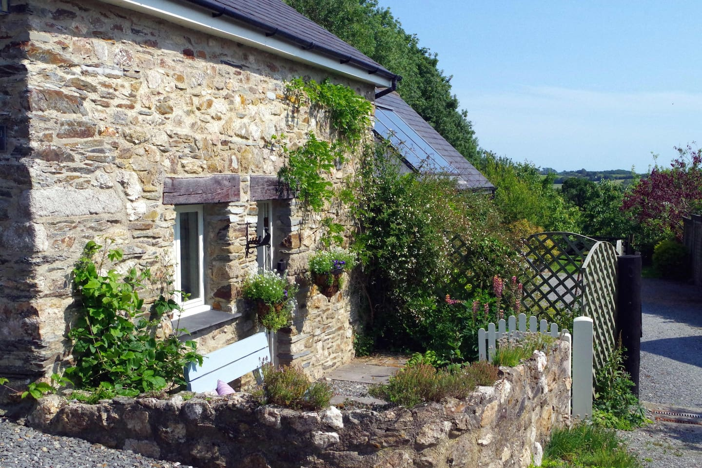 cornwall cottages with hot tubs