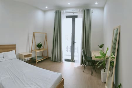 OME Cottage - private room (free laundry)