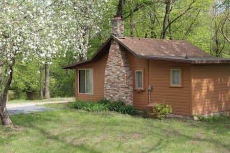 Dunrovin Retreat Center River Cabin