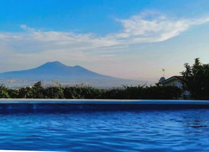 Holidays in Naples: stanza privata in villetta