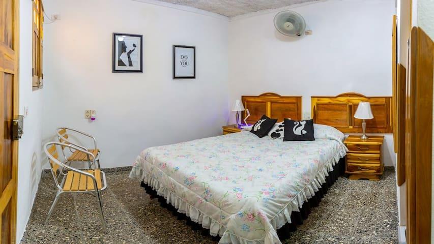 Private, spacious room with air conditioning and everything you need for a happy stay./ Habitación privada, amplia, con aire acondicionado, y todo lo necesario para una estancia feliz.