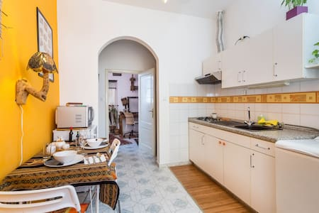Beautiful apartment near center - Genoa - Apartment
