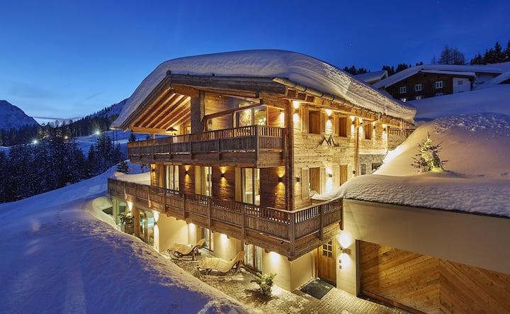 Luxury chalet with direct access to the ski slope