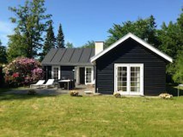 Modern and cosy Cottage in Hornbæk - Hornbaek - Houten huisje