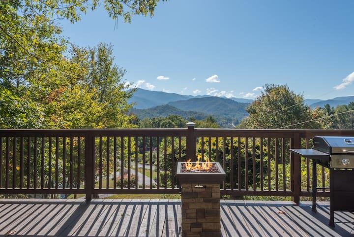 Incredible Mountain views at Beautiful Bella Vista
