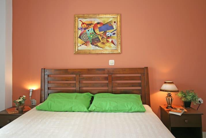 Nice decorated Master bedroom - upper  floor