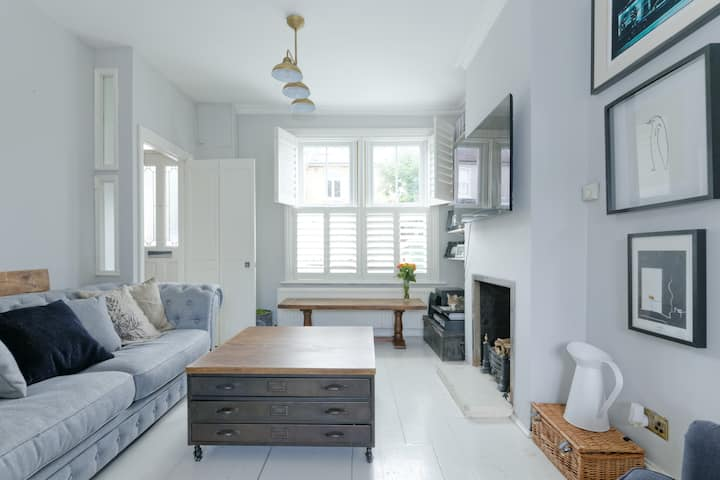 2 bedroom in east dulwich