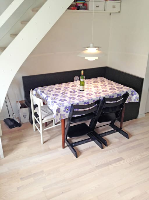 Dinnertable with bench