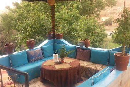 Private room with bath&breakfast in Riad Todra