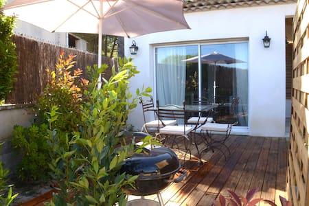 maisonnette de charme en Provence - Le Puy-Sainte-Réparade - Dom