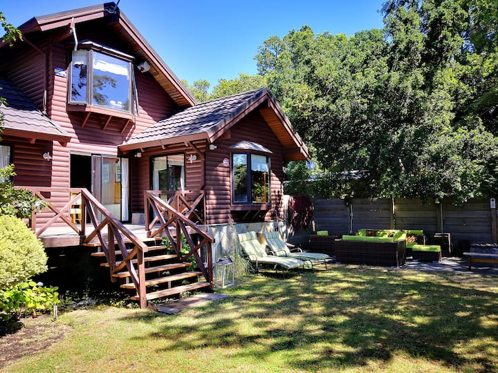 Beautiful house in Pucon -lakefront