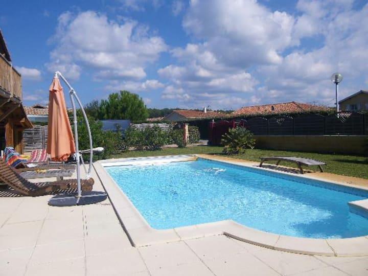 Belle villa T5 avec piscine à 5 min de la plage
