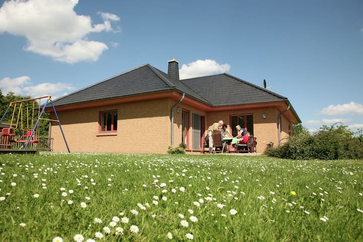 Gorgeous Holiday Home near Forest in Lambertsberg