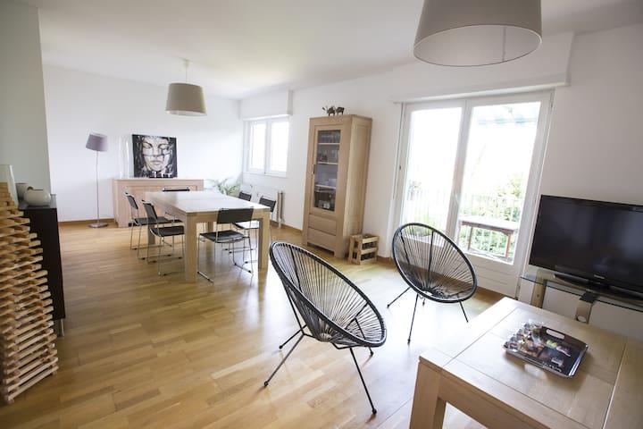 Appartement tout confort 90m2  - Terrasse/Parking