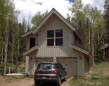 Upcycled Cabin in the Woods - Winter Park - Haus