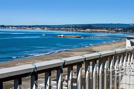 Modern Ocean View 2 BD w Parking. - Aptos - House