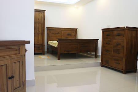 Spacious bedroom w. private bathroom - Ho Chi Minh