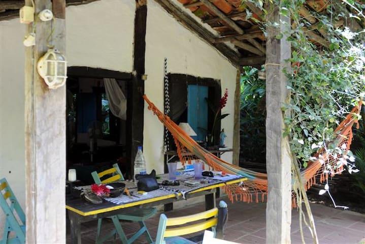 casa caiçara ao lado da praia - São Sebastião - House