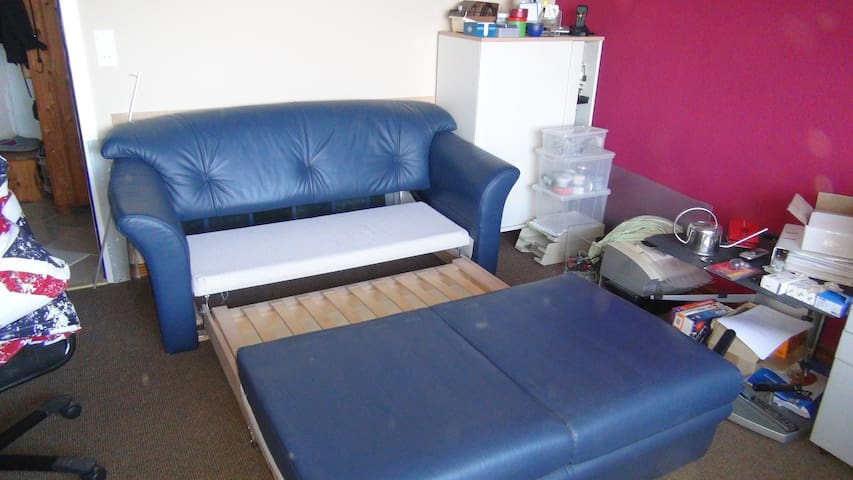 Schlafcoutsch mitattentost/Daybed with slatted frame
