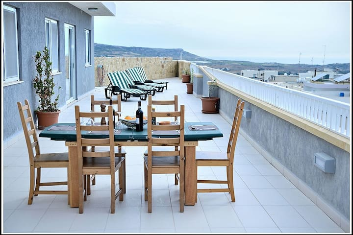 Mgarr maltan/r golden snds penthous - Mgarr - Apartment