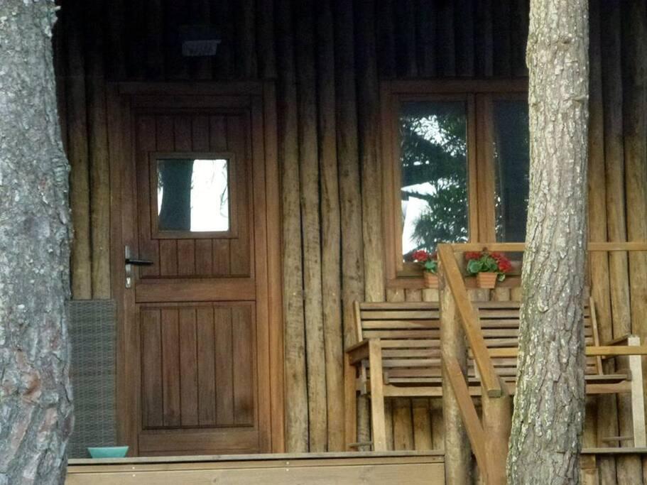 Cabana com alpendre.